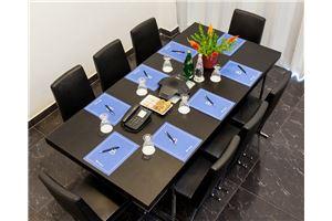 חלל עבודה מלון פורט אנד בלו  בתל אביב