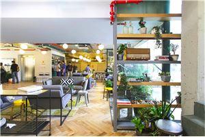חלל עבודה ווי-וורק שרונה Public space בתל אביב
