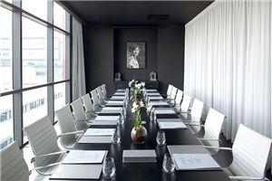 חלל עבודה מלון לאונרדו בוטיק  בתל אביב