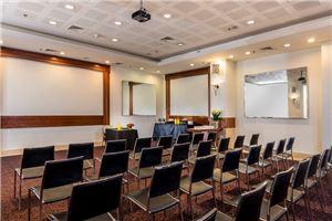 חלל עבודה מלון לאונרדו פלאזה חיפה  בחיפה